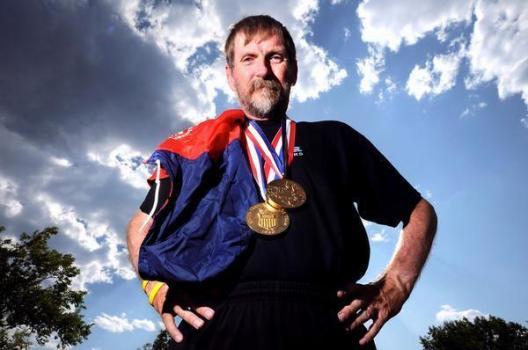 1980年班吉‧德頓(Benji Durden)是美國馬拉松菁英選手之一