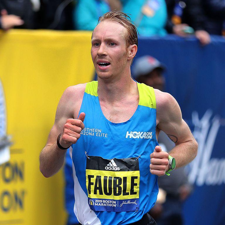 美國選手第一位回到終點的選手是Scott Fauble 照片來源