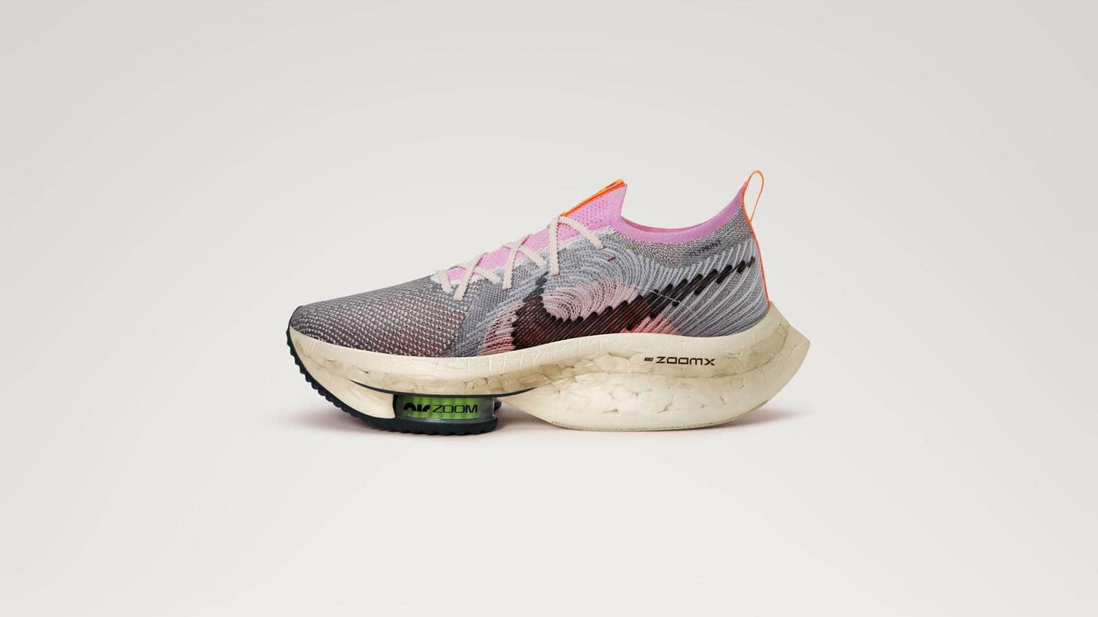 在應對裁片利用率、回收邊角料及重塑已有材料的問題上, Nike Air Zoom Alphafly Next Nature 無疑是Nike迄今為止極具可迴圈設計理念的產品,所用再生材料的重量占比至少達到 50%。